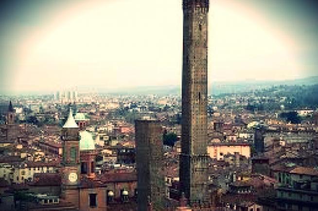 Asinelli, l'Amore e la Torre