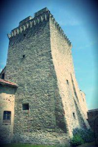 Mastio_castello_bardi